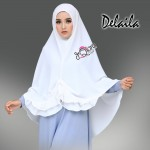 Delaila-broken-white