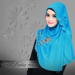 Siria-Mutia-Prada-biru-tosca